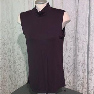 Mock-neck brown sleeveless tee shirt